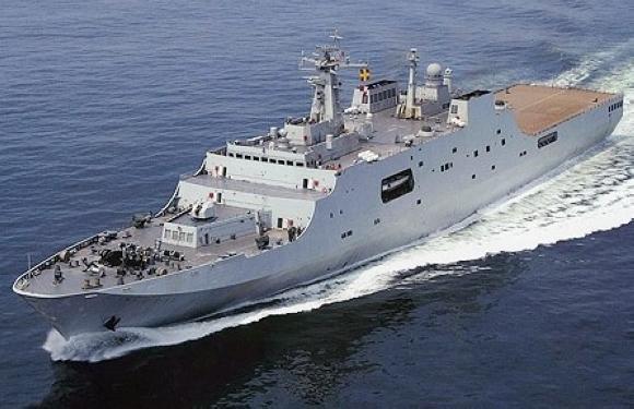 071型船坞登陆舰_中国海军大力发展071型两栖登陆舰 可媲美航母 _深圳国防教育网